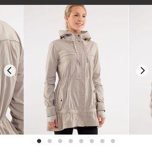 Lululemon jacket size 4 (rare)